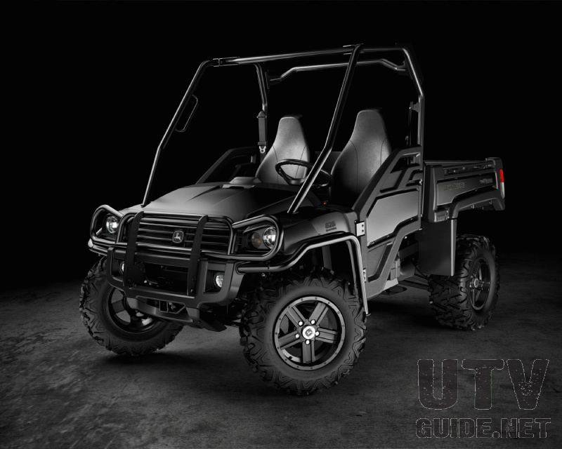 XUV825i Midnight Black Special Edition Gator