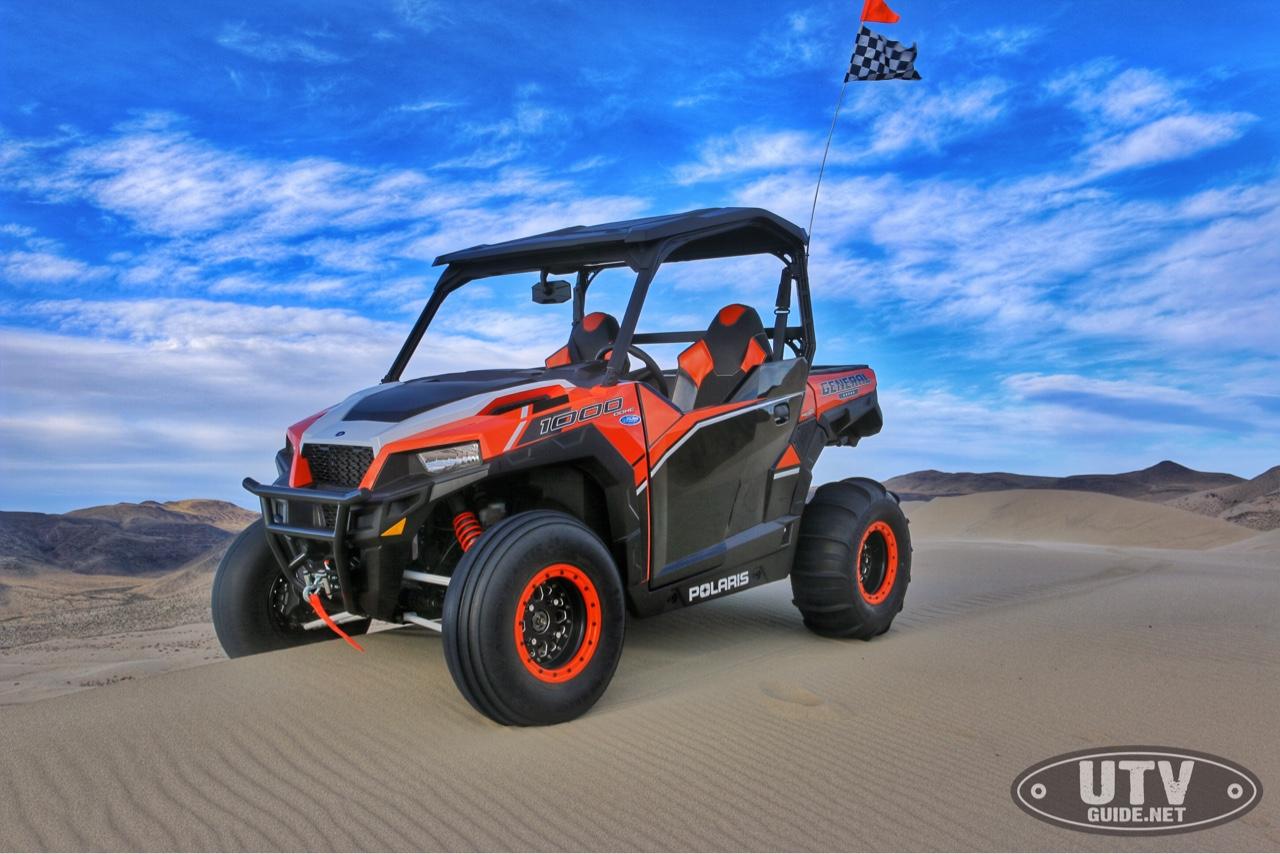 Polaris GENERAL in the dunes